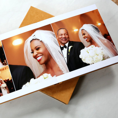 The luxary suede fine art wedding album with open layout