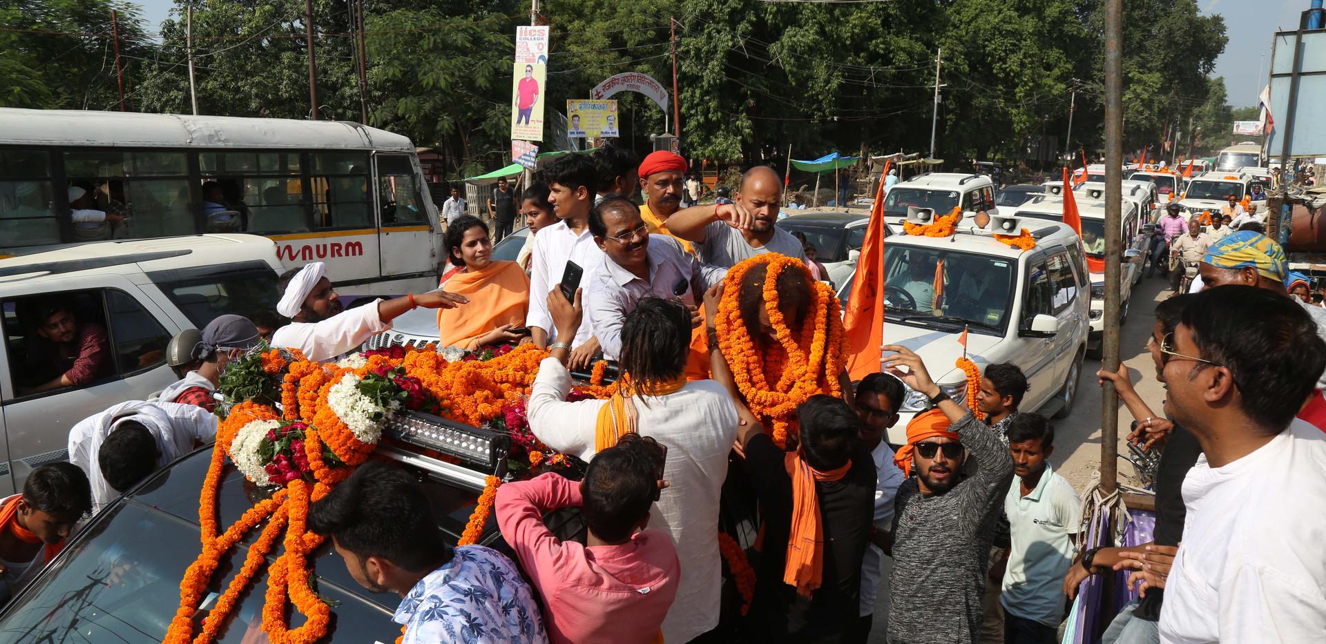 Guruji Yogi Satyam returns to Allahabad