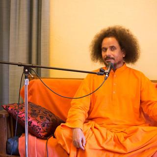 Guruji-Yogi-Satyam-at-University-of-Toro