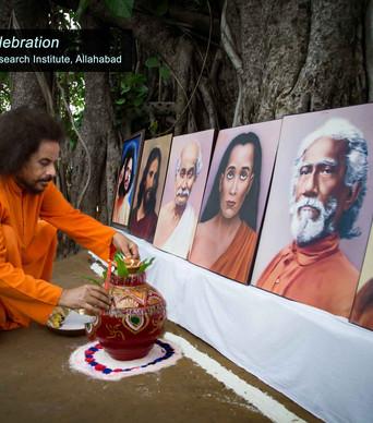 2017-Guru-Purnima-(Guruji-lighting-the-l
