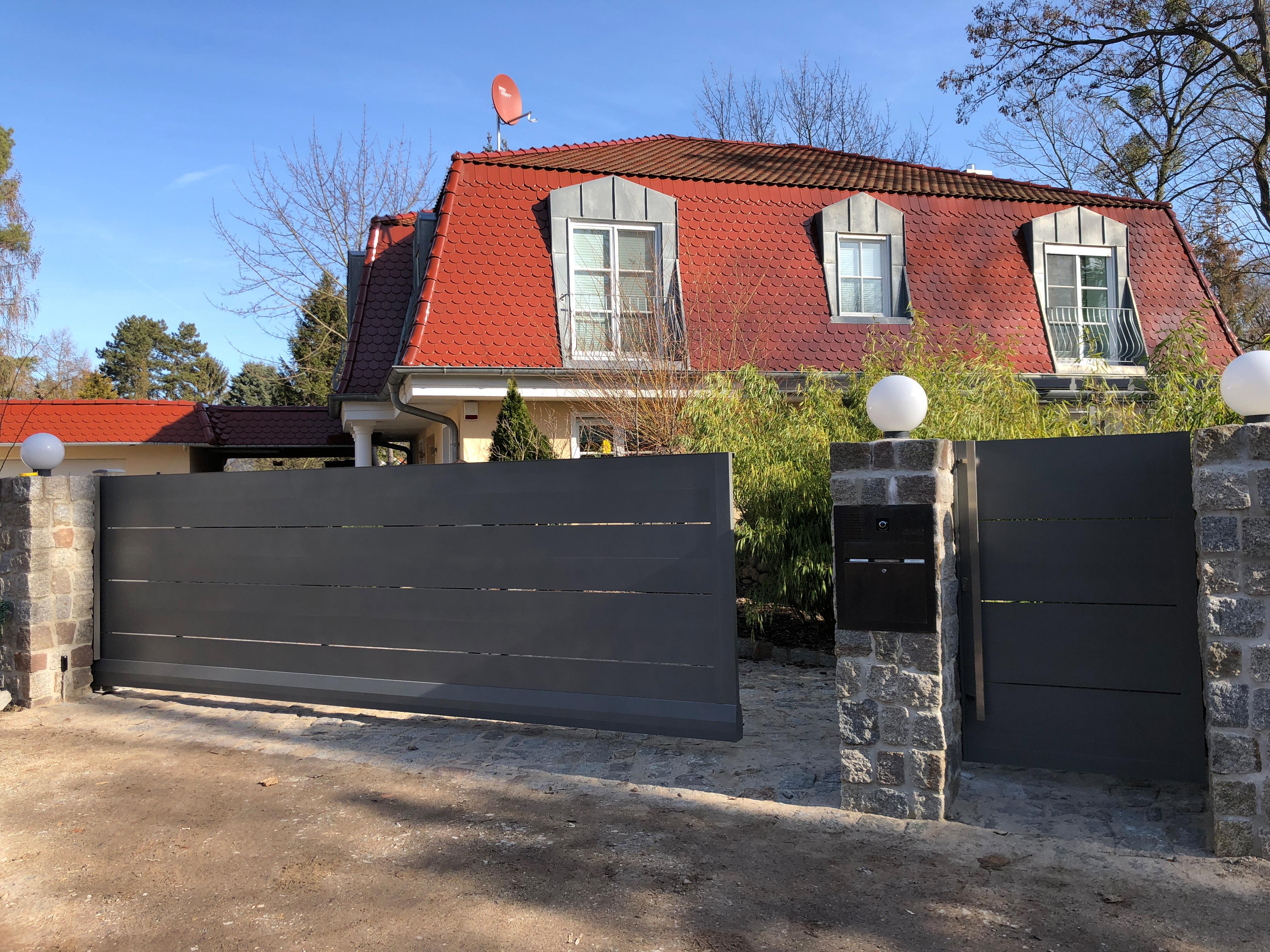FZ.A.9 Toranlage an Mauerpfosten