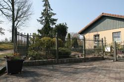 FZ.C.10 Zaunfelder mit Steinsockel