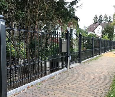 Schnörkeliger Zaun