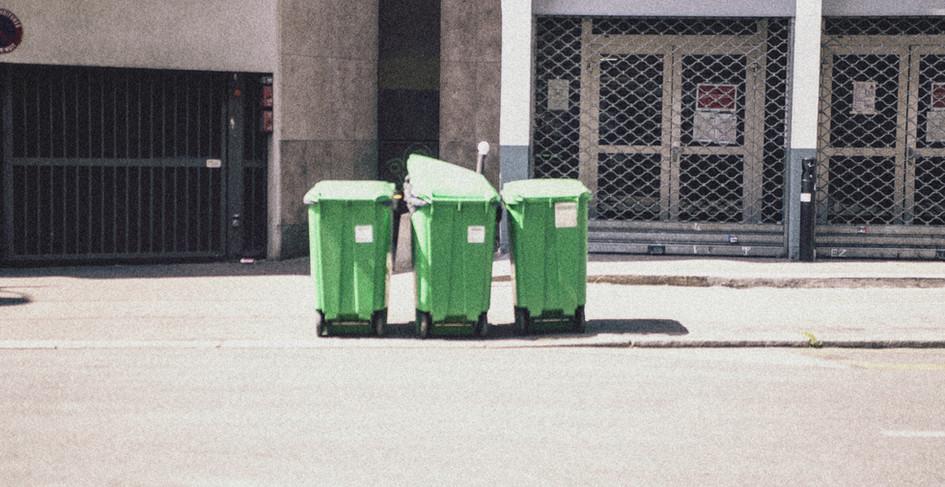 3 poubelles