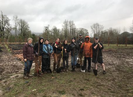 THS Environmental Club gets dirty!