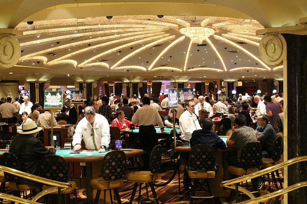 gambling-587996_1920 (1).jpg