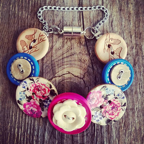 coming up roses button bracelet