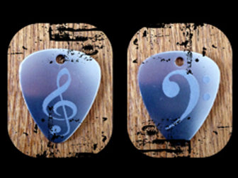 bass & treble clefs pick