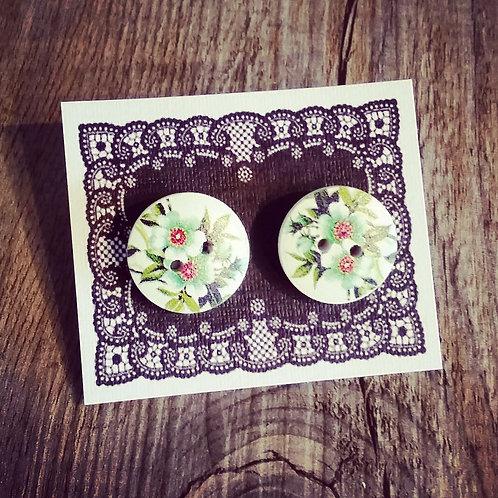 graceful greenery 18mm white button studs