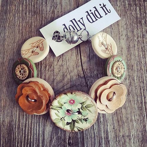 naturally graceful button bracelet