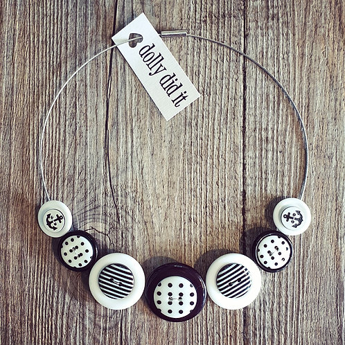 monochrome cable necklace
