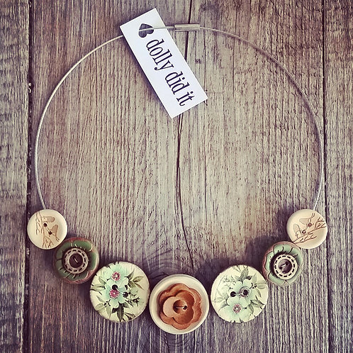 naturally graceful wire cable necklace
