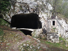 cave and mill ,mulino rupestre