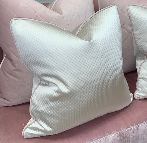 IVORY QUILTED WITH BABY PINK PIPING 45x45cm