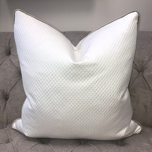 KAI WHITE QUILTED WITH TAUPE PIPING 55x55cm