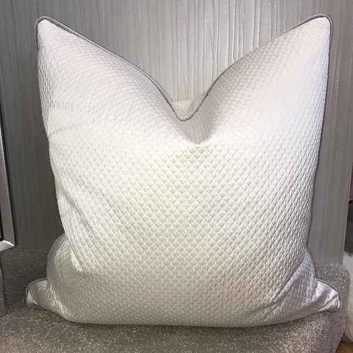 KAI WHITE QUILTED WITH GREY PIPING 55x55cm