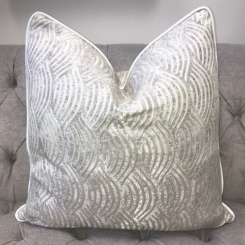 TAUPE SWIRL WITH WHITE PIPING 55x55cm