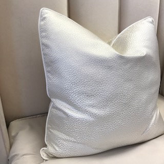 IVORY SMALL CROC WITH WHITE PIPING 55x55cm