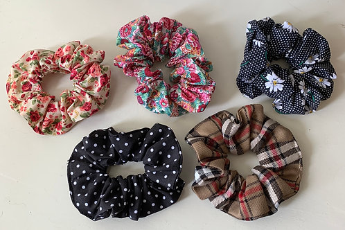 Mixed pack of 5 scrunchies