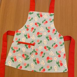 cherry apron with pocket (Cath Kidston fabric)