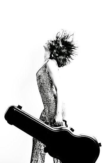 Site oficial da cantora Luana Mallet