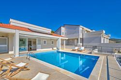 Isadora villa.jpg