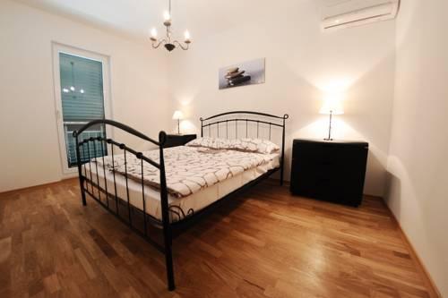 Appartements Delta Trogir 15.jpg