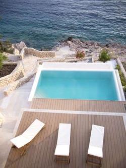 Gloss Villa.4.jpg