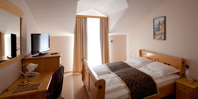 hotelmiramarevodice.11.jpg