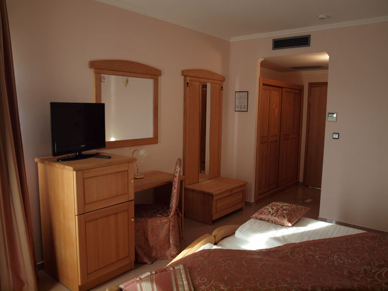 hotelmiramarevodice.17.jpg