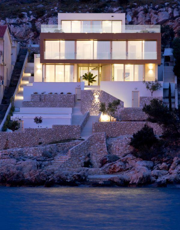 Gloss Villa.2.jpg