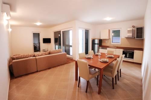 Appartements Delta Trogir 14.jpg