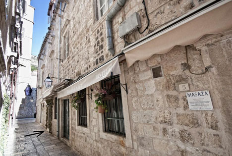 Stradun Dubrovnik.jpg