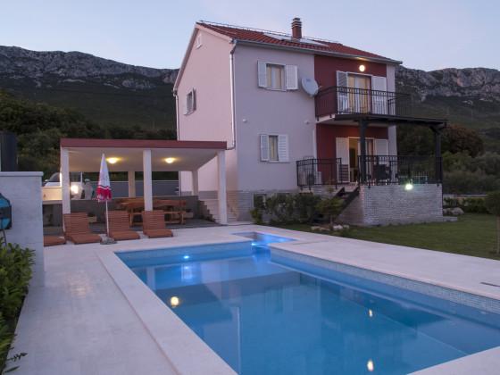 Pio villa.jpg