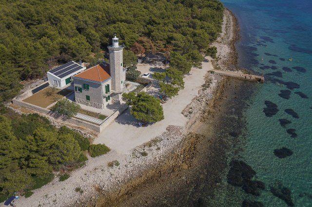 Villa Lanterna Vir.jpg