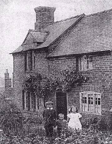 Middle Road Cottage.jpg