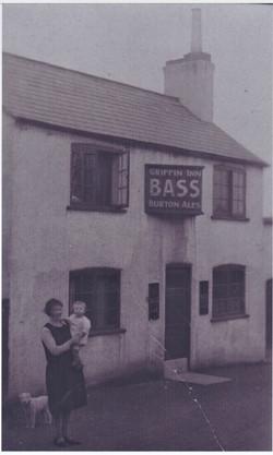 Griffin Pub 1815-1961