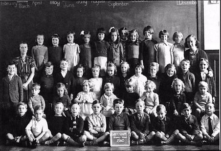 Primary School Photo 1940.jpg