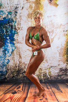 SHARI LONG - BODYBUILDING POSING