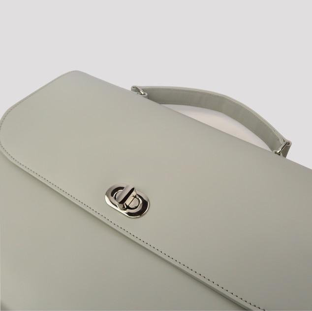 leatherbag0008d.JPG