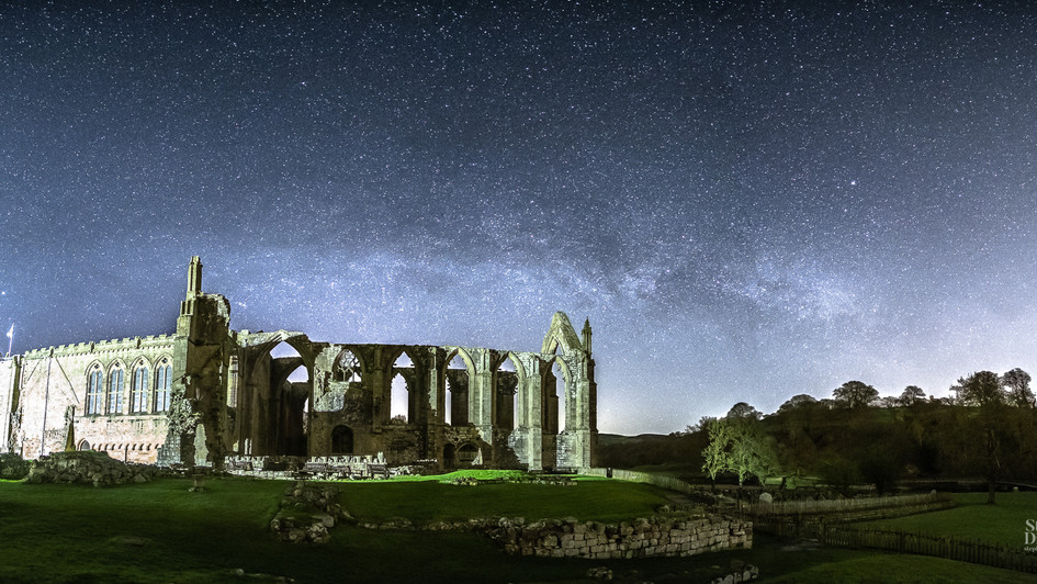 Milky Way spans Bolton Abbey