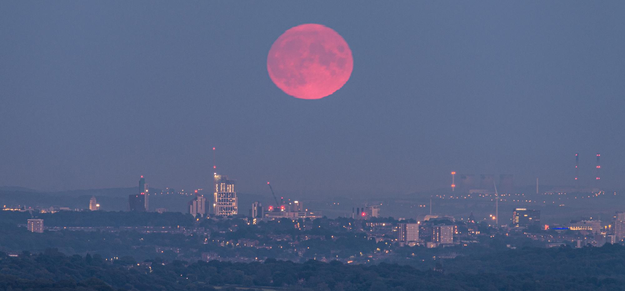 2000x931-Leeds-Full-Moon-Sept-2020