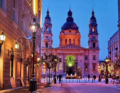 Budapest basilika winter.jpg