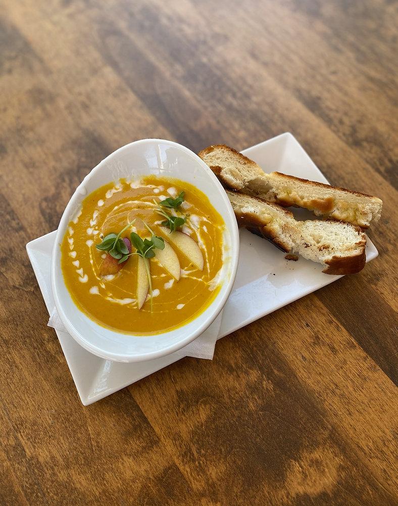 carrot apple curry soup.JPG