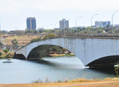 Nome de ponte projetada por Niemeyer em Brasília é alvo de discussão