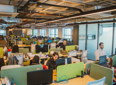 Pesquisa indica que 3 em cada 4 trabalhadores deseja retomar o espaço físico de trabalho