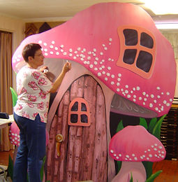 Kat Sikora Hilton painting props