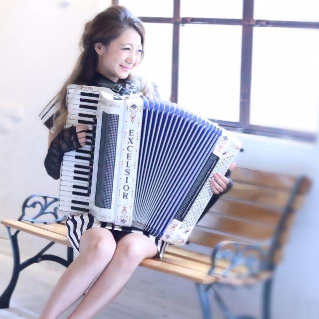 吉岡りさ(Accordion)