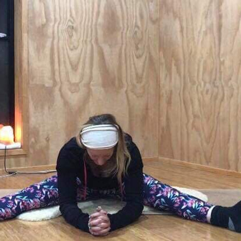 7:00pm Online Yin Yoga (6am AEDT)