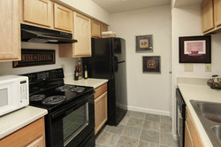 images-gallery-10-unit-kitchen-555x370